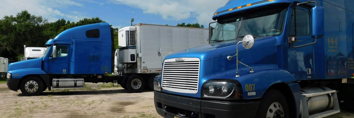 Freightliner Sleeper Cabs At Tsi Trucks In Central Florida